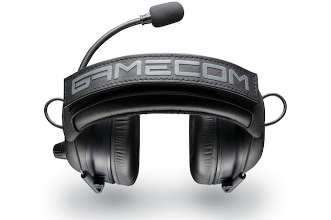 Plantronics limited edition GameCom Commander headset is geared for the competitive gamer - photo 1