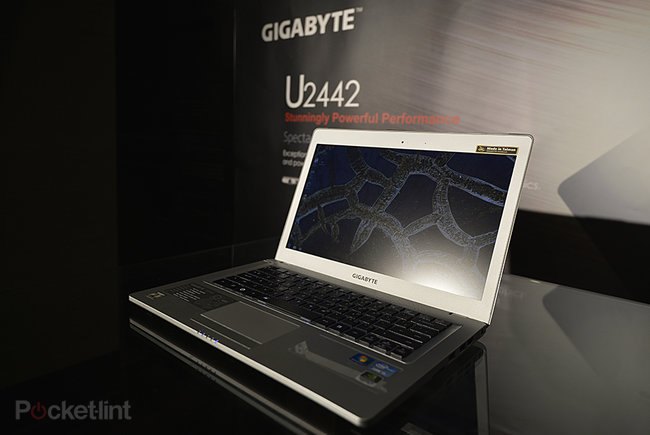 Gigabyte U2442 Ultrabook pictures and hands-on - photo 1