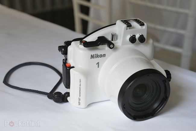 Nikon 1 WP-N1 underwater housing pictures and hands-on - photo 2