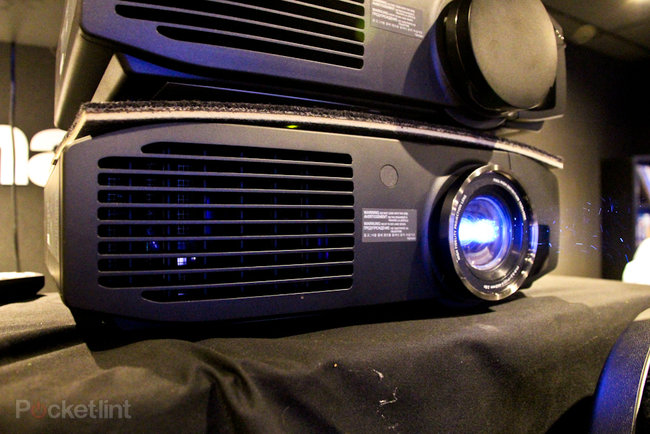 Panasonic PT-AT6000 pictures and hands-on - photo 2