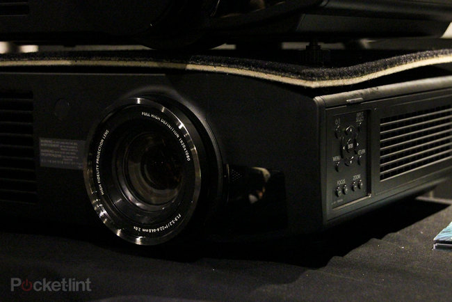 Panasonic PT-AT6000 pictures and hands-on - photo 3