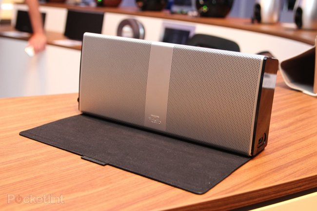 Philips Fidelio Portable Speaker pictures and hands-on - photo 10
