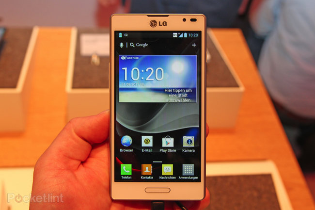 LG Optimus L9 pictures and hands-on - photo 2