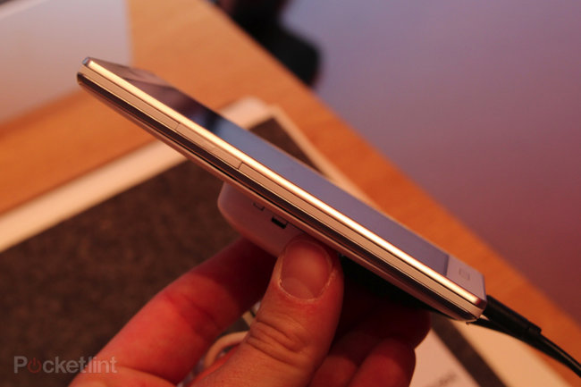 LG Optimus L9 pictures and hands-on - photo 3