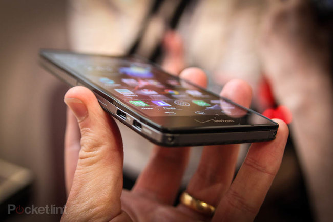 Motorola Droid Razr HD pictures and hands-on - photo 4
