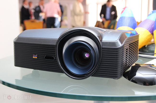 ViewSonic Pro9000 Laser Hybrid LED lampless projector pictures and hands-on - photo 1