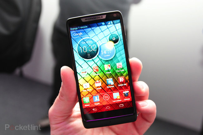 Motorola RAZR i pictures and hands-on - photo 2
