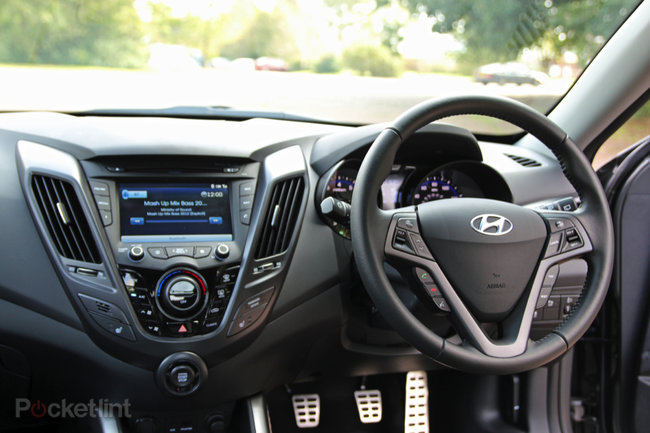 Hyundai Veloster Turbo SE pictures and hands-on - photo 37