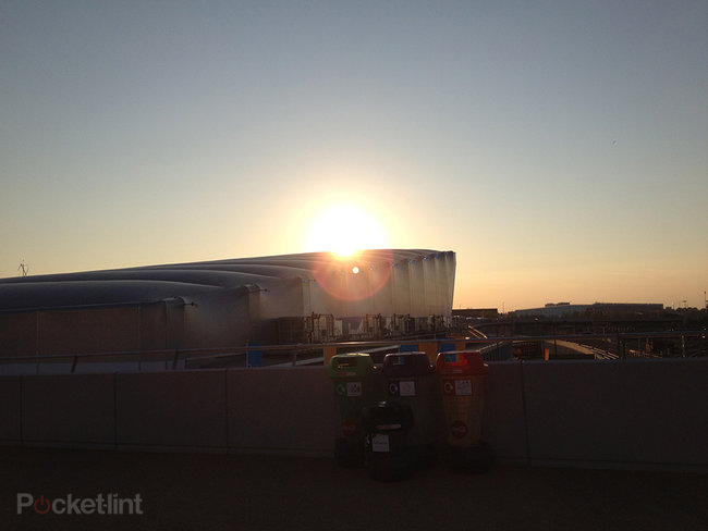 iPhone 5 purple lens flare is normal, claims Apple - photo 2