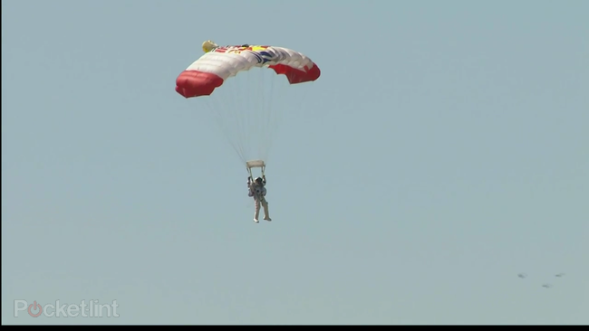 Millions tune into YouTube to watch Felix Baumgartner jump from 128,000ft - photo 3