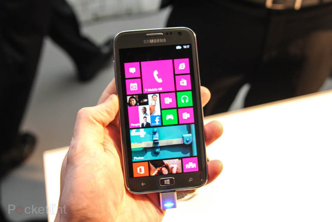 Samsung ATIV S pictures and hands-on - photo 2