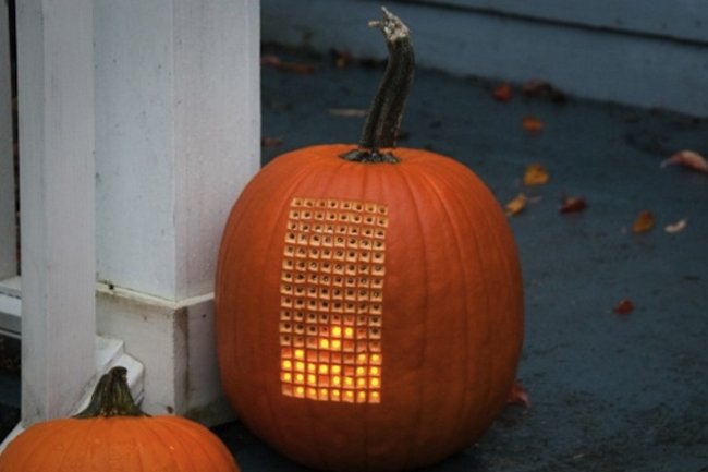 Tetris fan recreates gaming classic with an LED pumpkin (video) - photo 1