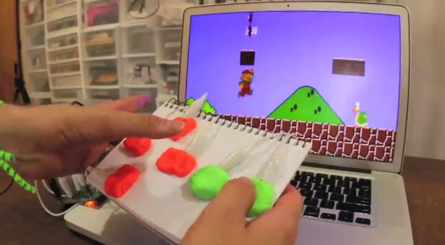 MaKey MaKey kit turns everyday objects into actual computer controllers (video) - photo 2