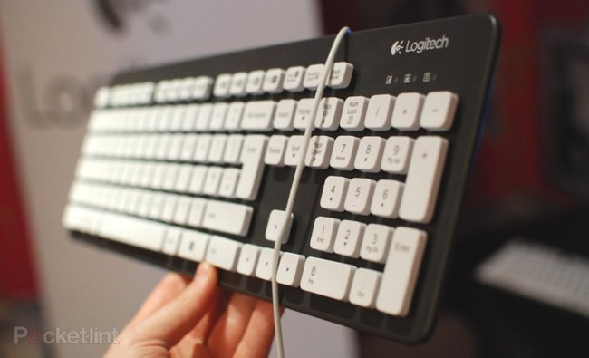 Logitech Windows 8 keyboards: K810, G710+ and washable K310 pictures and hands-on - photo 6