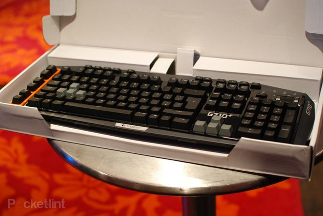 Logitech Windows 8 keyboards: K810, G710+ and washable K310 pictures and hands-on - photo 8