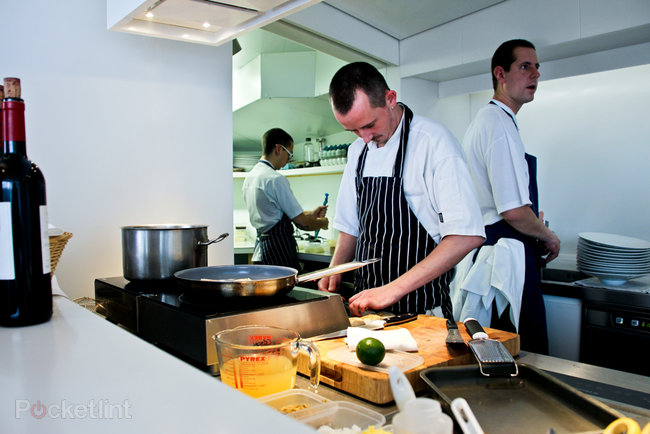 The Cube by Electrolux high tech pop-up restaurant pictures and hands-on - photo 11