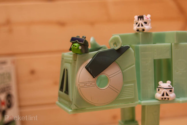Star Wars Angry Birds AT-AT battle game pictures and hands-on - photo 10