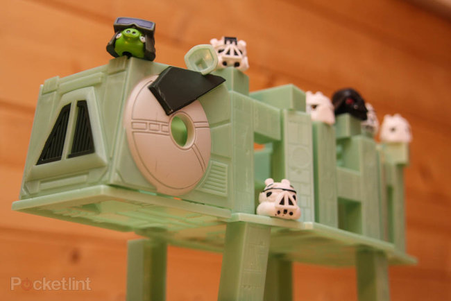 Star Wars Angry Birds AT-AT battle game pictures and hands-on - photo 11
