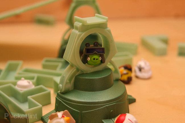 Star Wars Angry Birds AT-AT battle game pictures and hands-on - photo 15