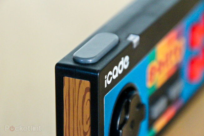 iCade 8-bitty Wireless Game Controller for iPhone and iPad pictures and hands-on - photo 12