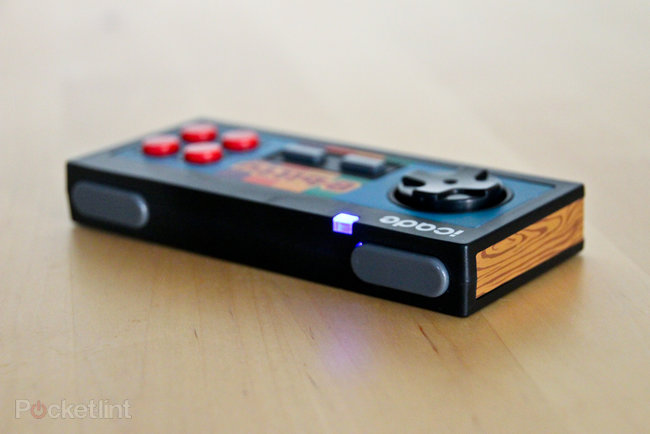 iCade 8-bitty Wireless Game Controller for iPhone and iPad pictures and hands-on - photo 6