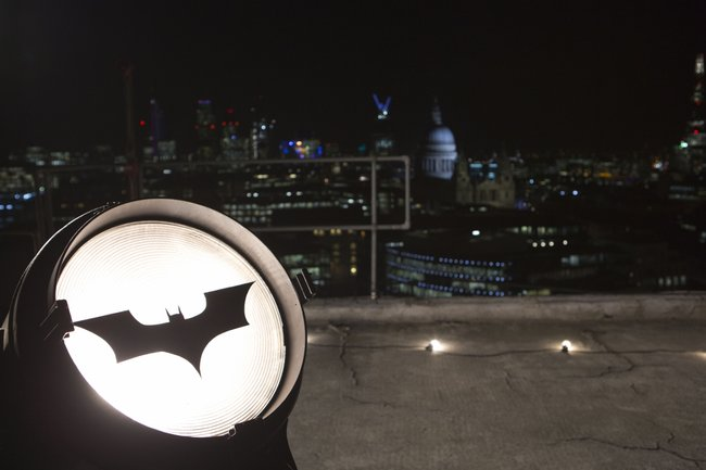 Virgin Media screens The Dark Knight Rises in true Batman style, on top of a tower block - photo 4