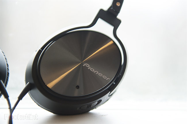 Hands-on: Pioneer SE-NC21M noise-cancelling headphones review - photo 2