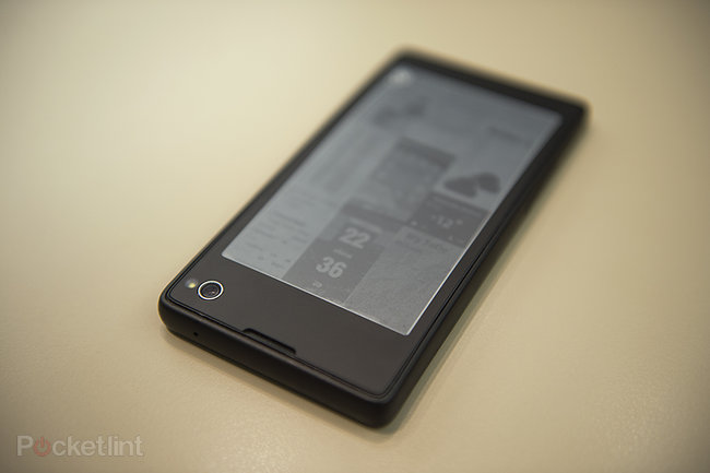 Yota Devices YotaPhone dual-screen smartphone meets eBook reader pictures and hands-on - photo 11