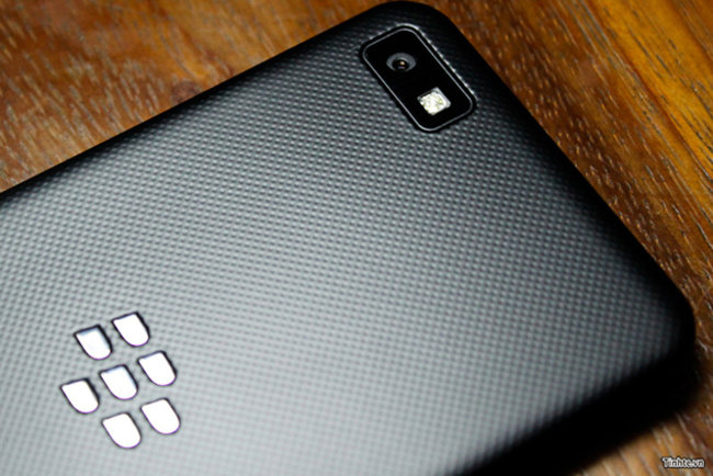 BlackBerry L-Series BB10 phone to be BlackBerry Z10 and come in white too - photo 1