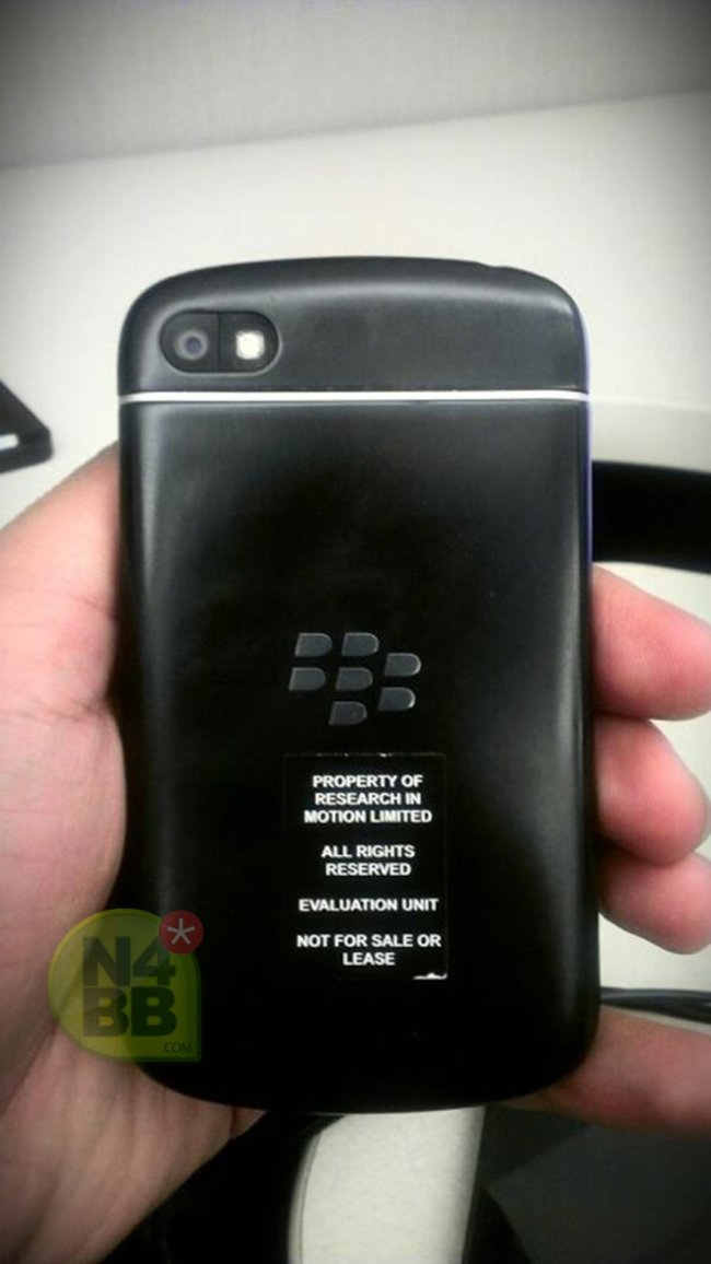 New BlackBerry 10 N-Series (X10) pictures leak, showing off the QWERTY keyboard in full - photo 4