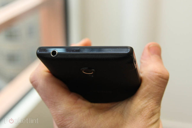 Sony Xperia ZL official, ditches Xperia Z waterproofing and design, we go hands-on - photo 7