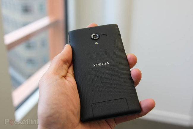 Sony Xperia ZL official, ditches Xperia Z waterproofing and design, we go hands-on - photo 8