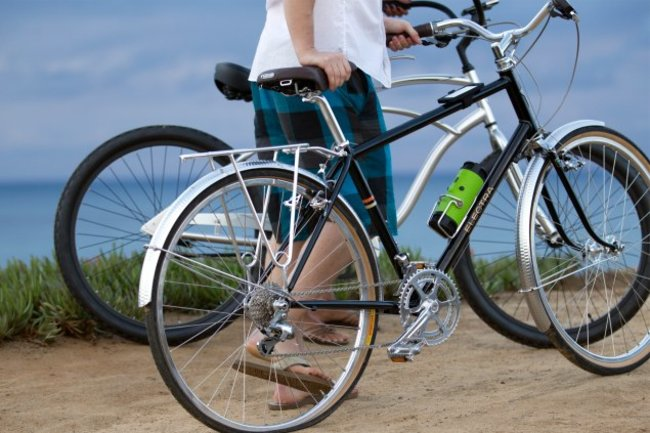 Scosche BoomBottle makes your ride sound sweet, won't quench thirst - photo 1