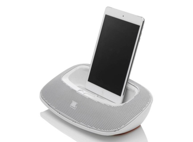 JBL Charge, OnBeat Mini and OnBeat Rumble announced with Lightning support - photo 1