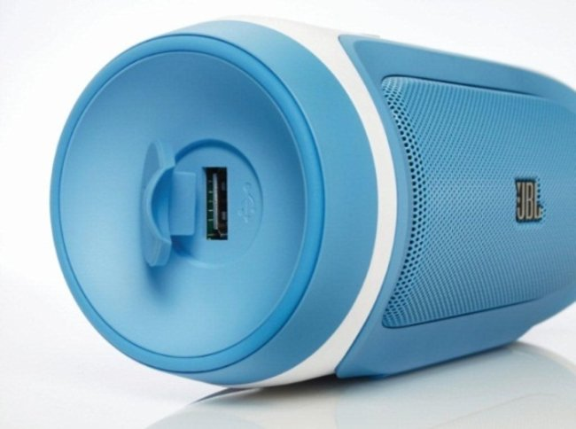 JBL Charge, OnBeat Mini and OnBeat Rumble announced with Lightning support - photo 2