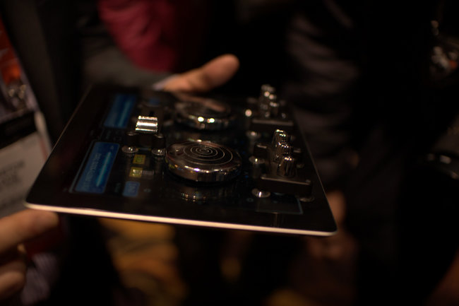 ION Scratch2GO DJ controller pads for iPad - photo 3