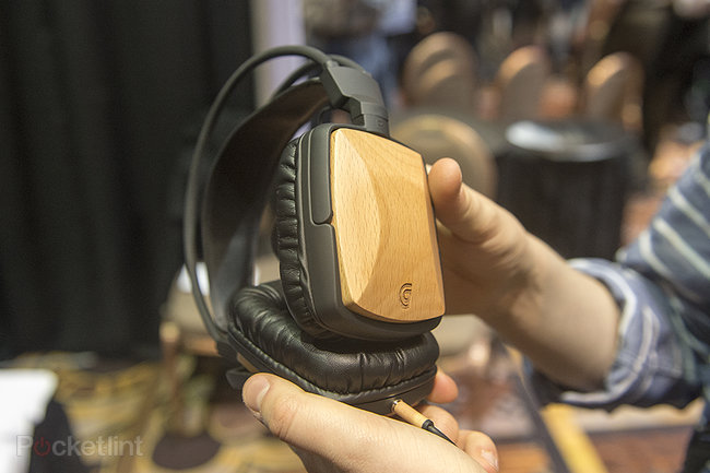 Griffin WoodTones over-ear headphones pictures and hands-on - photo 4