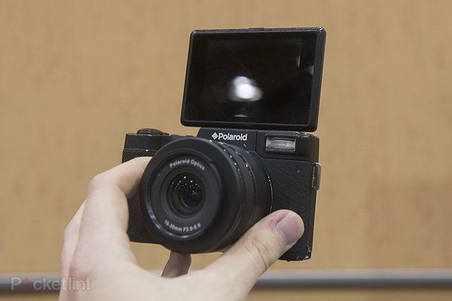 Polaroid Android iM1836 interchangeable lens camera pictures and hands-on - photo 11