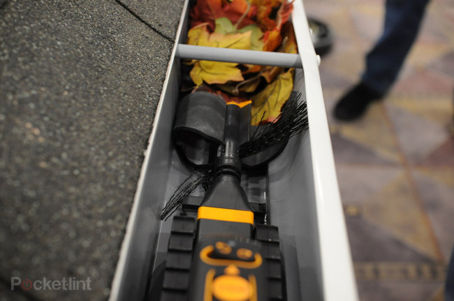 iRobot Looj gutter cleaning robot coming to the UK - photo 5