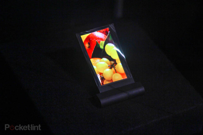 Sharp demos 3.4-inch flexible display at CES - photo 3