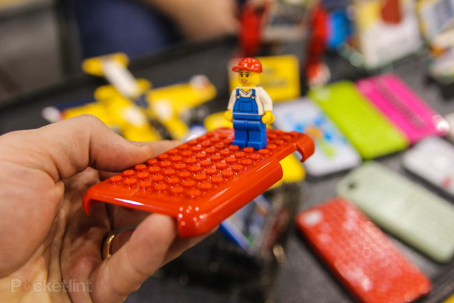Smallworks iPhone Brickcase lets you turn your iPhone into a helicopter - photo 3