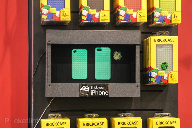 Smallworks iPhone Brickcase lets you turn your iPhone into a helicopter - photo 8