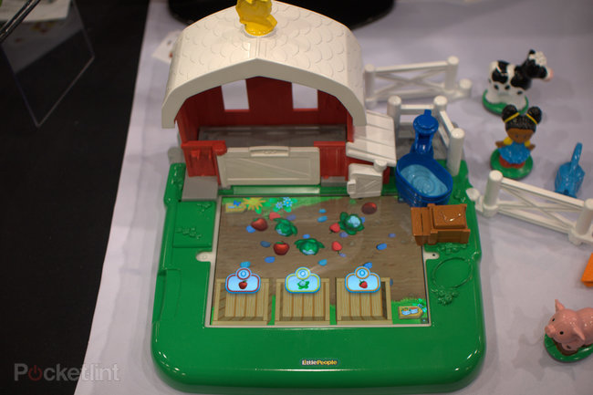 Fisher-Price Little People Apptivity case and Barnyard pictures and hands-on - photo 1