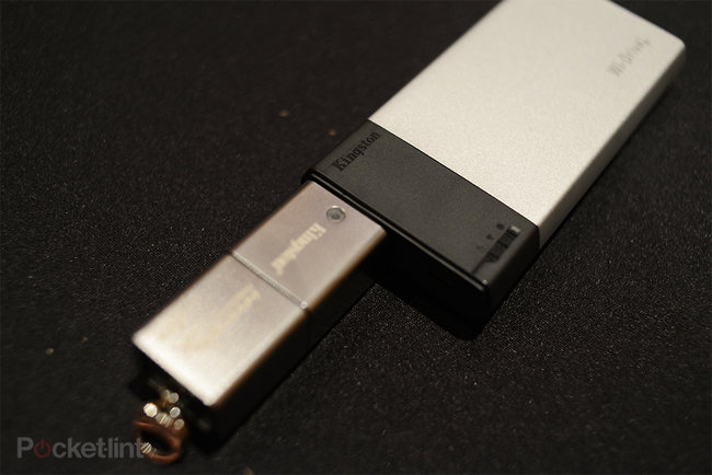 Kingston HyperX Predator 1TB USB flash drive pictures and hands-on - photo 3