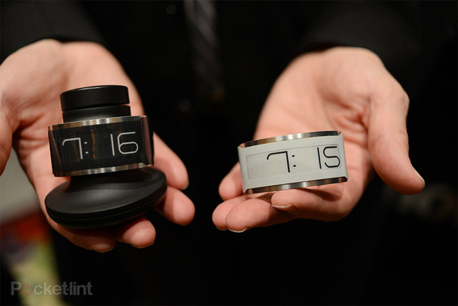 CST-01 E Ink watch is world's thinnest, pictures and hands-on - photo 1