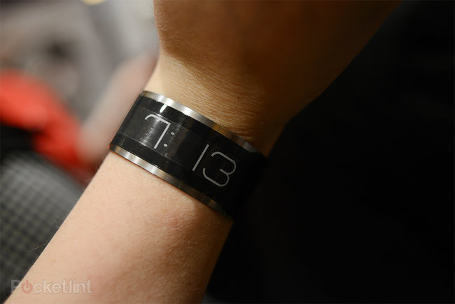 CST-01 E Ink watch is world's thinnest, pictures and hands-on - photo 5