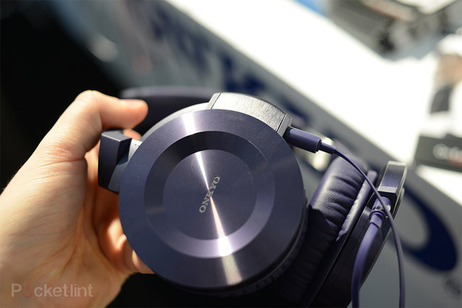 Onkyo ES-HF300 headphones pictures and hands-on - photo 6