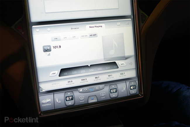 Tesla Model S 17-inch screen pictures and hands-on - photo 6