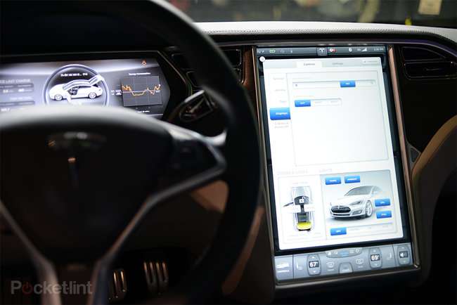 Tesla Model S 17-inch screen pictures and hands-on - photo 8