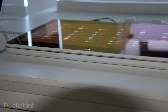 LG ultrabook, slider PC and desktop all-in-one pictures and hands-on - photo 9